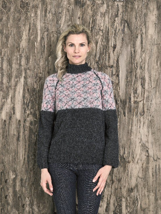 896020 Dame sweater med tern